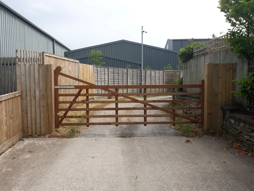 Crooked style entrance gate *Variety of widths* - Greenview Sheds & Fences Ltd