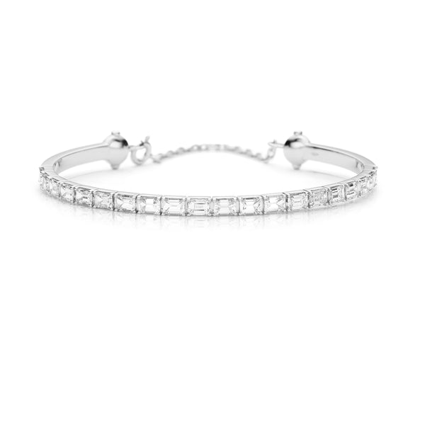 Diamond Emerald cut bracelet in 18 karat white gold from NOA fine jewellery