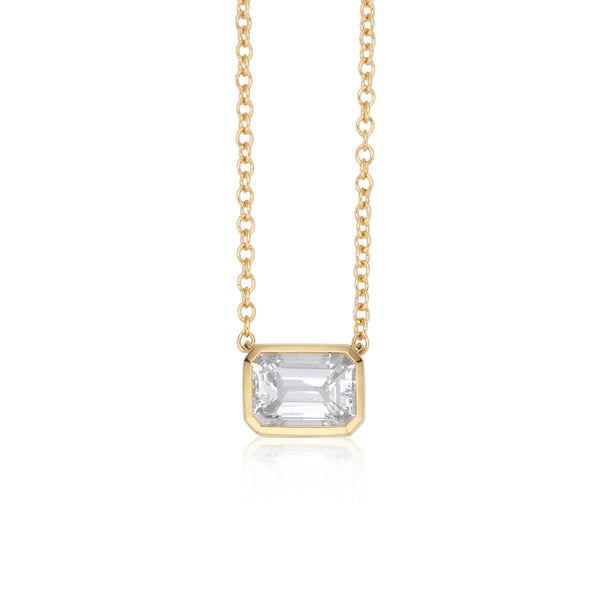NOA fine jewellery Emerald cut diamond necklace in 18 karat yellow gold