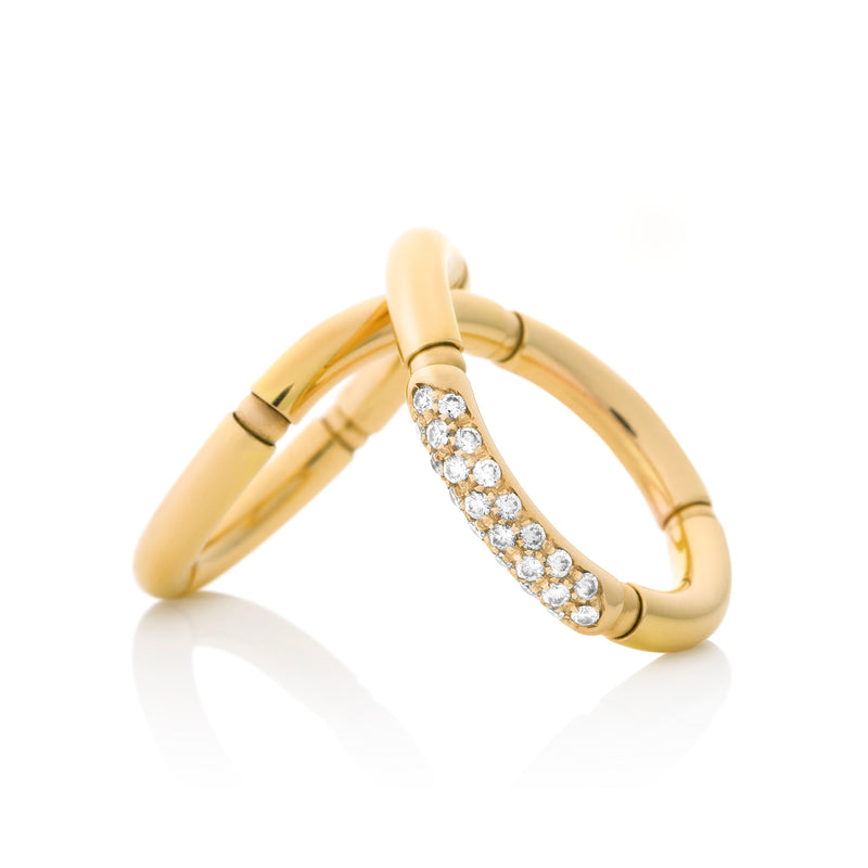 d'Oro Diamond Yellow Gold Twist Ring from NOA fine jewellery