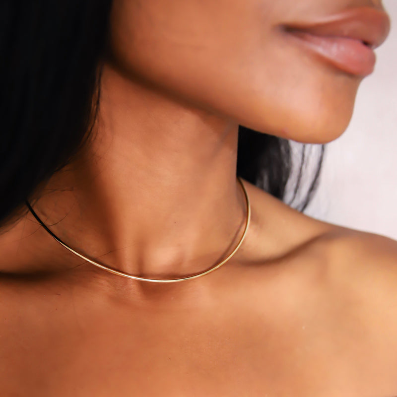 d'oro yellow gold choker with Flexible gold technology from NOA fine jewellery