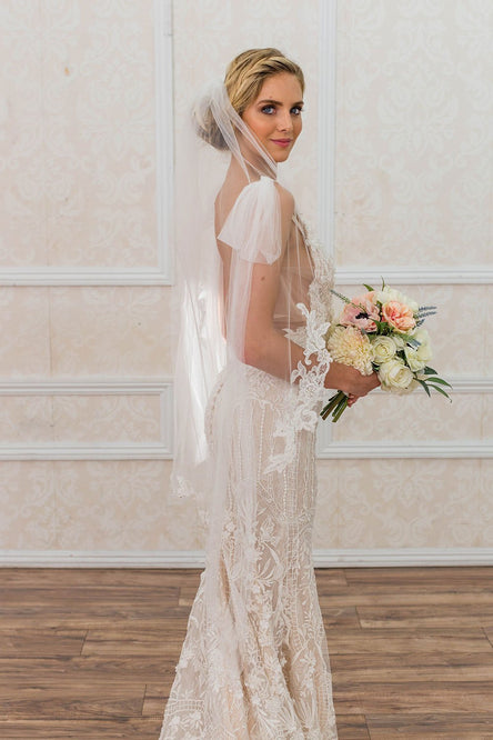 AMELIANA FINGERTIP VEIL - WITH SCATTERED LACE EDGE