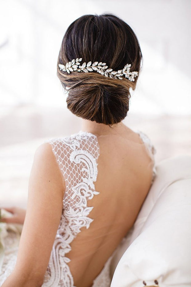 Our halo combs are the perfect bridal hair accessories for your bridal hairstyle.