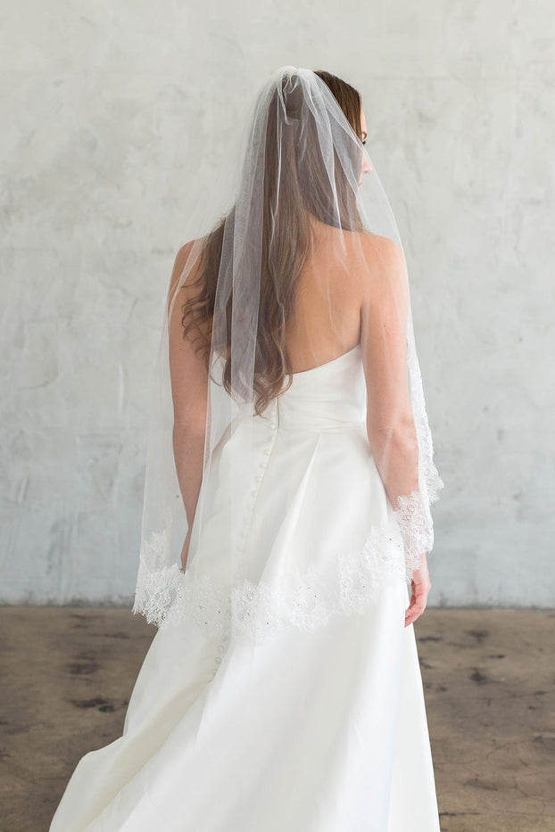 BROOKE FINGERTIP VEIL - WITH CHANTILLY LACE EDGE