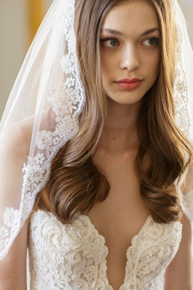 NAYA ELBOW VEIL - WITH LACE EDGING