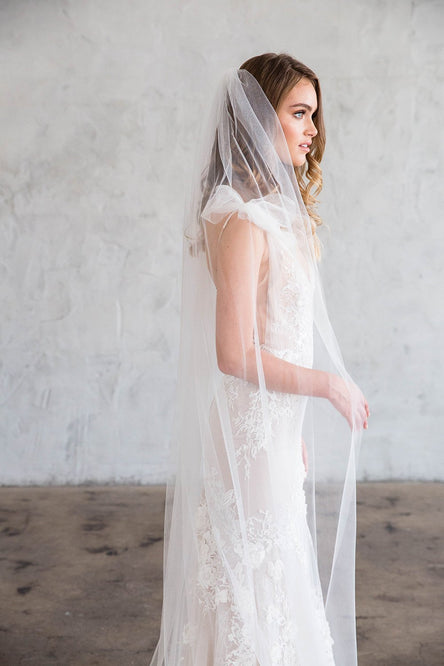 JOLI FLOOR LENGTH VEIL - SIMPLE CUT EDGE