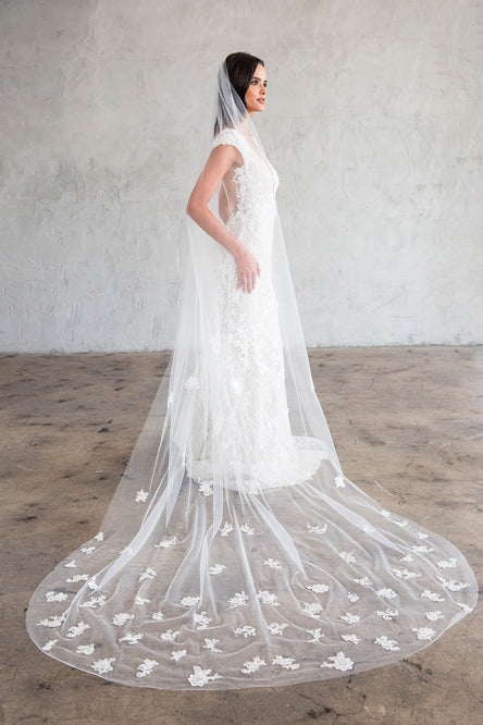 JULITA CATHEDRAL VEIL- SCATTERED LACE APPLIQUES
