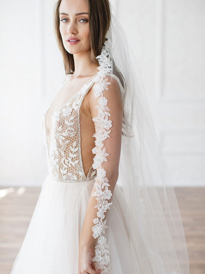 ANGELINA ELBOW/FINGERTIP VEIL - WITH LACE EDGE