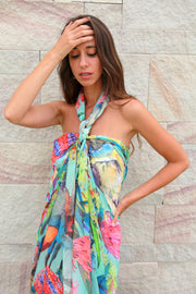 wide scarf can be used as a sarong