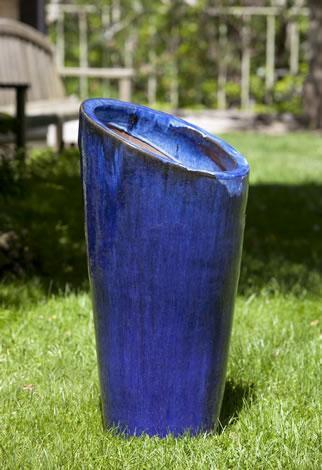 Photo of Campania RUTILLO PLANTER - Marquis Gardens