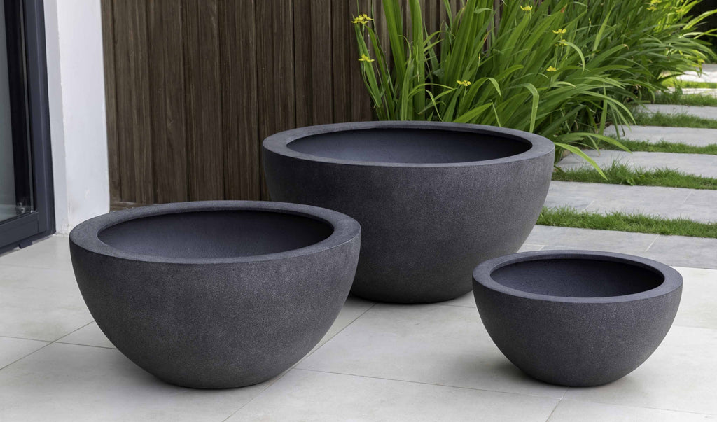 Campania Piccadilly Lite Planter, Charcoal Lite