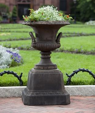 Photo of Campania Smithsonian L'Enfant Urn - Marquis Gardens