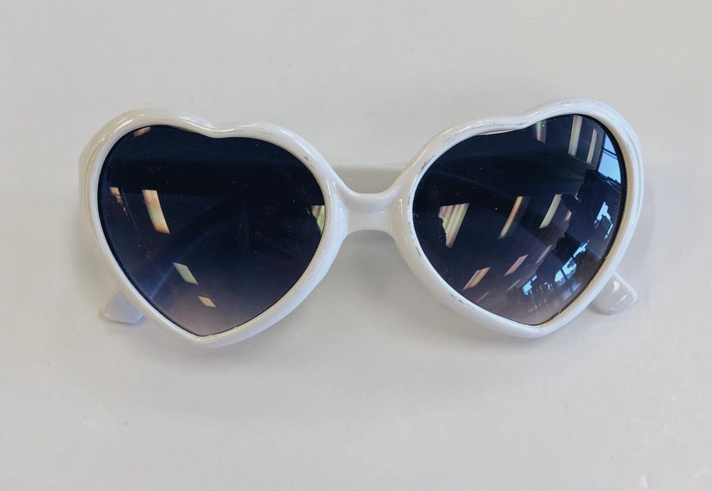 Solid Heart Sunglasses (4 Colors)
