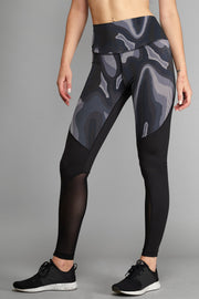 Deluxe Black Camo Legging