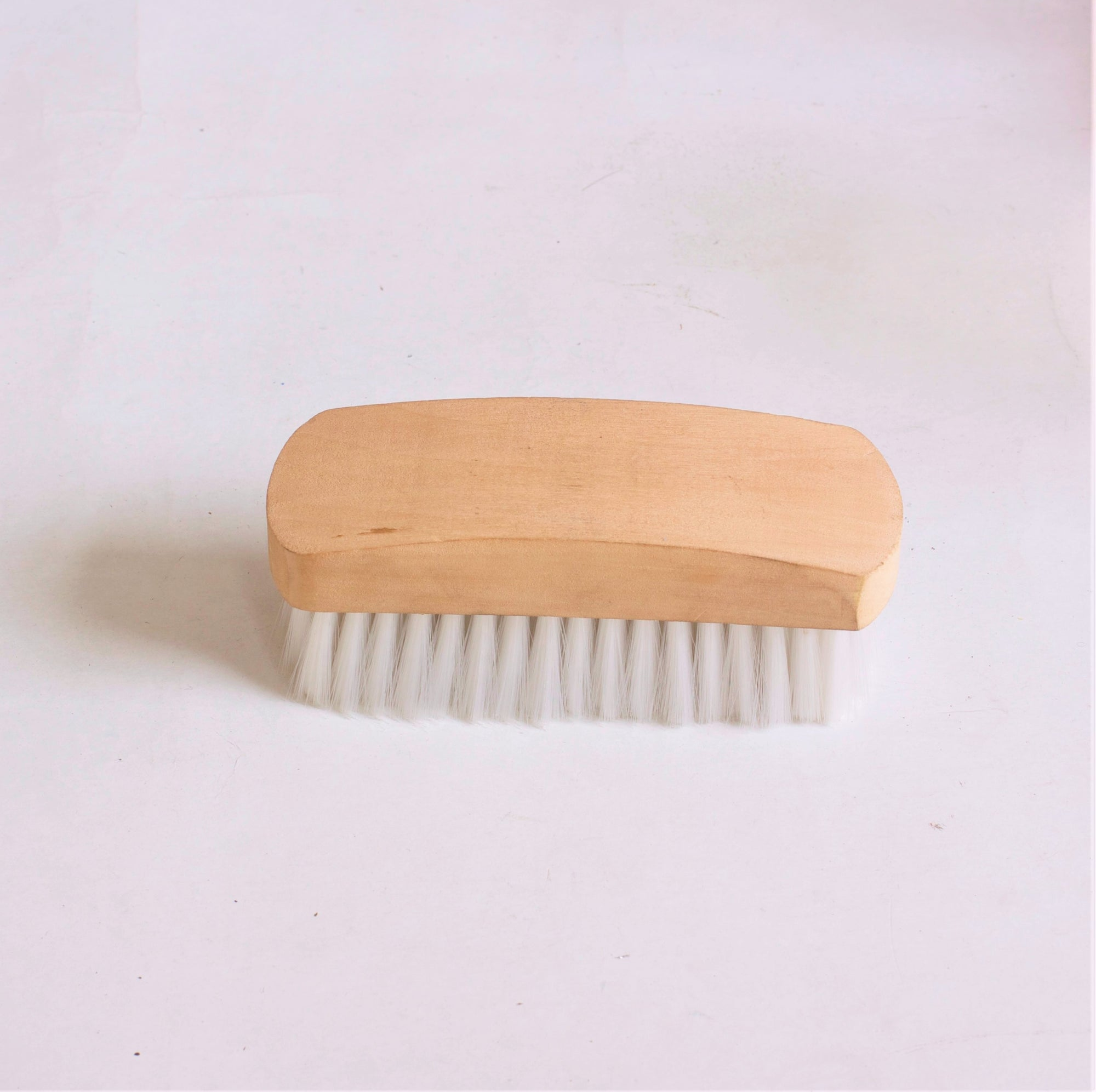Tuffrider Face Brush With Wooden Grip - Breeches.com