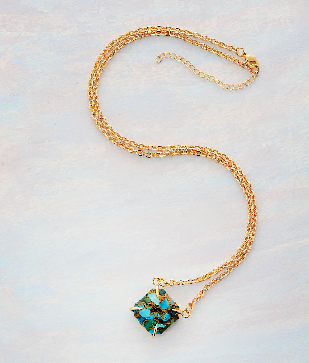 Unique Turquoises Stone Pendant Gold Necklace