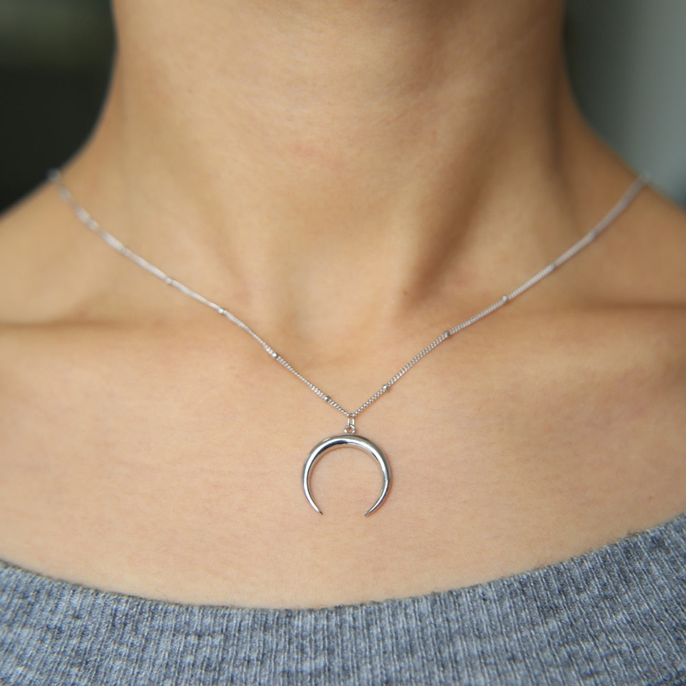925 Sterling Silver Crescent Moon Necklace