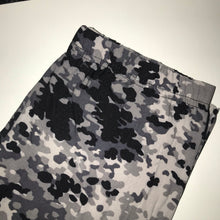 Load image into Gallery viewer, Gray camouflage leggings