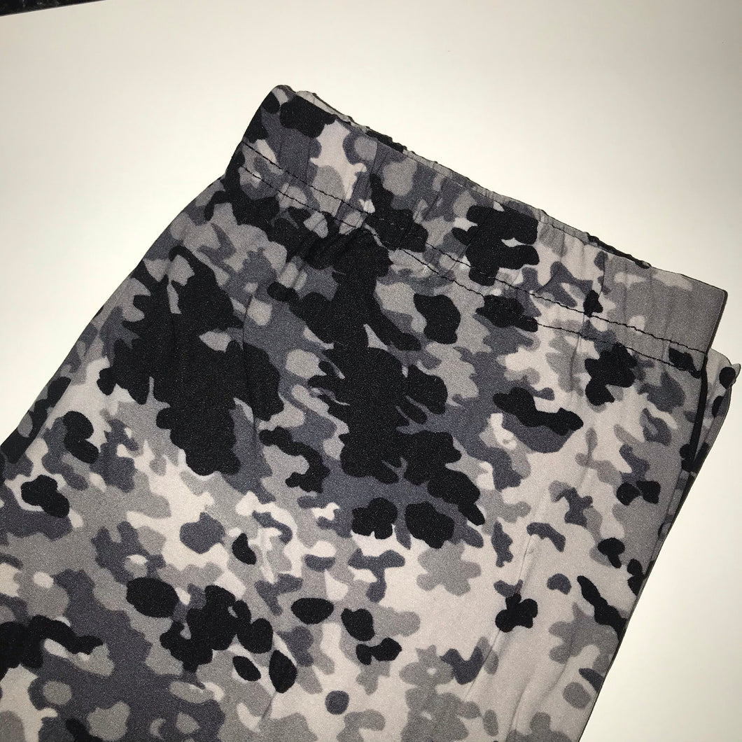Gray camouflage leggings