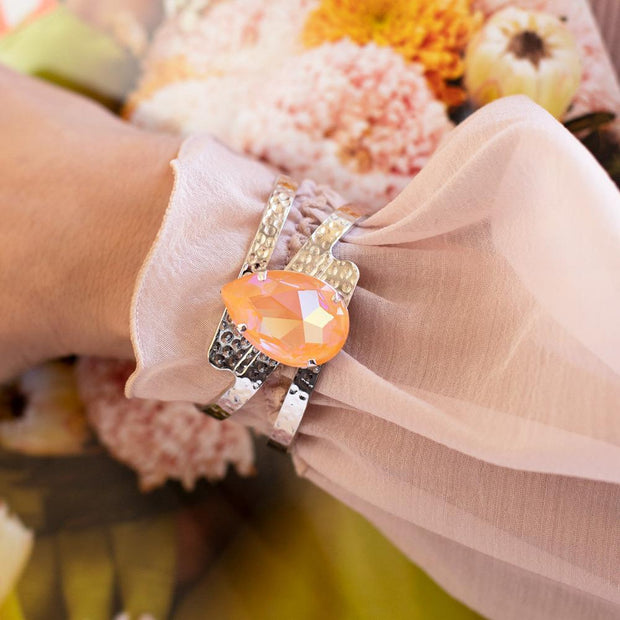 Perfect Drop Bangle / Peach Delite