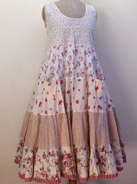 Vintage small floral mosaic dress