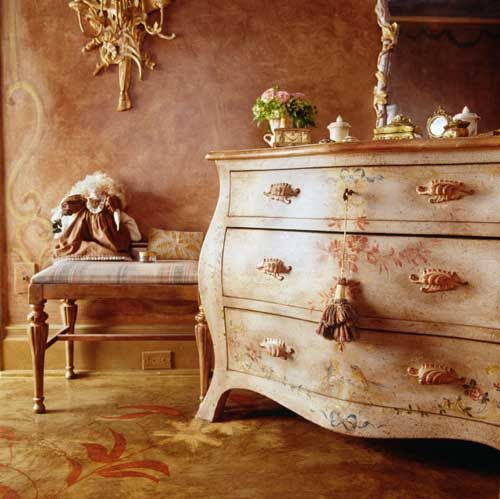 French chest of drawers
