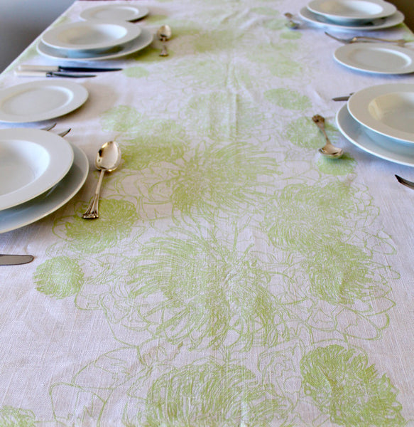 GW pincushion Table cloth