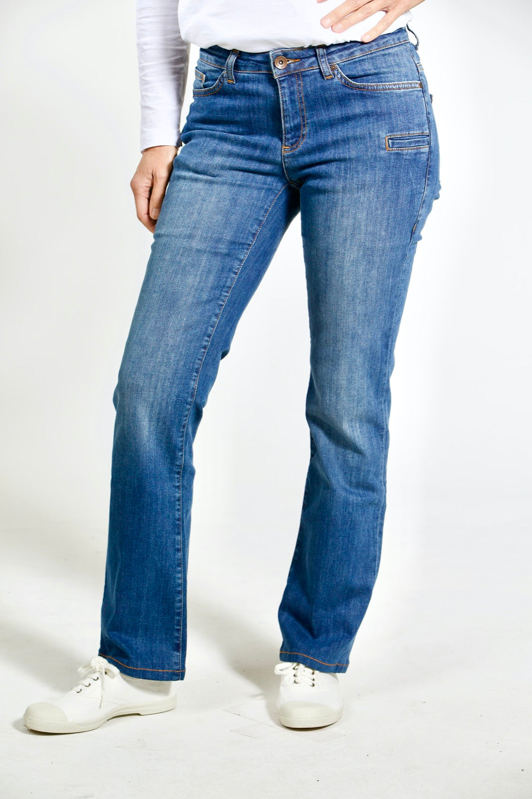 "Straight Fit – mittelblaue Damen-Jeans ""Joan"""