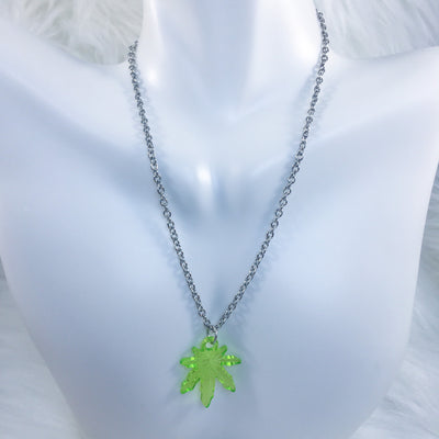 Green Stonie Leaf Necklace
