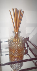 Iridescent reed diffuser