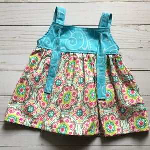 Adorable floral sleeveless sun dress in size 3/6 months Perfect summer dress for baby *