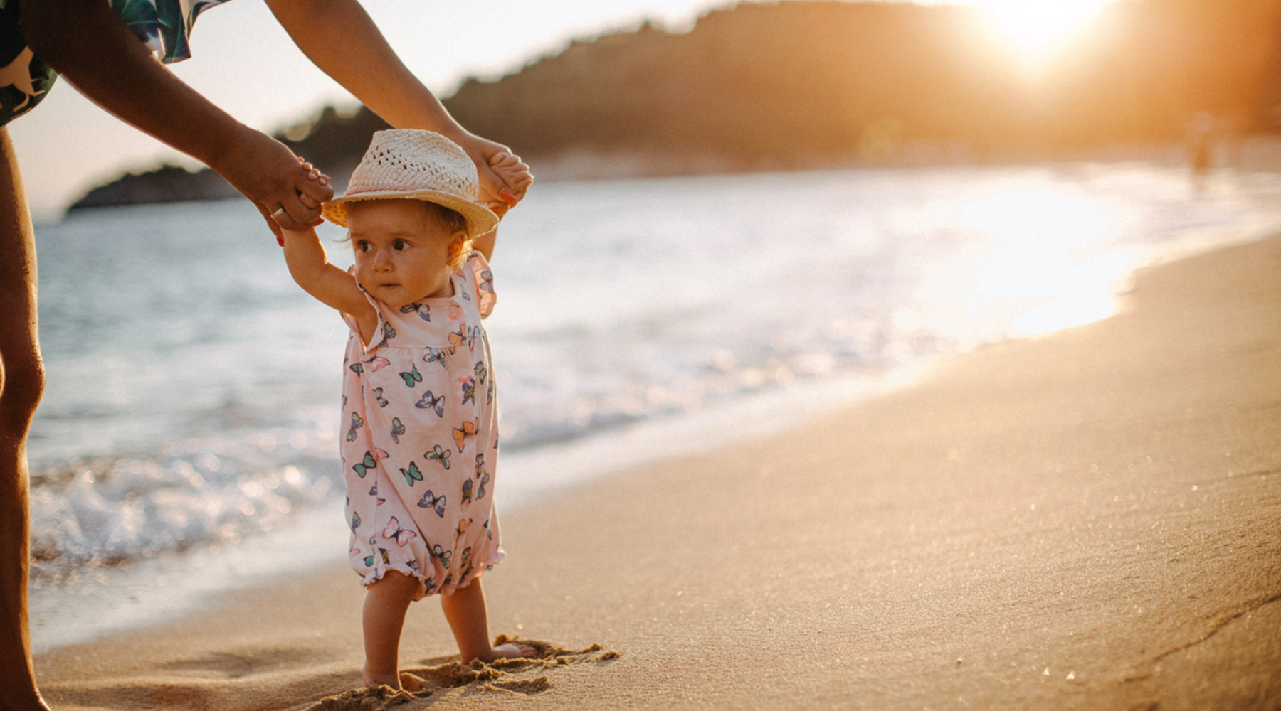 Top Tips for Travelling with Little Ones This Summer