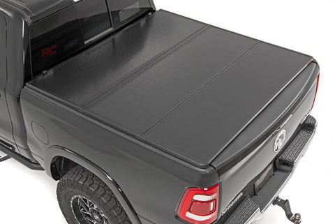 DODGE HARD TRI-FOLD BED COVER (09-18 RAM 1500)