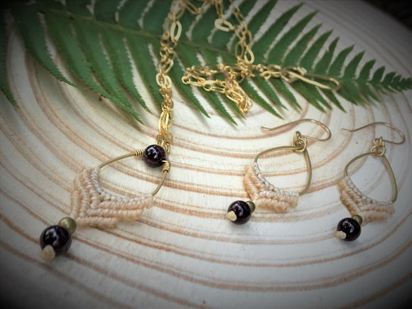 Q'ocha Necklace and Earrings Set ~ Garnet droplets