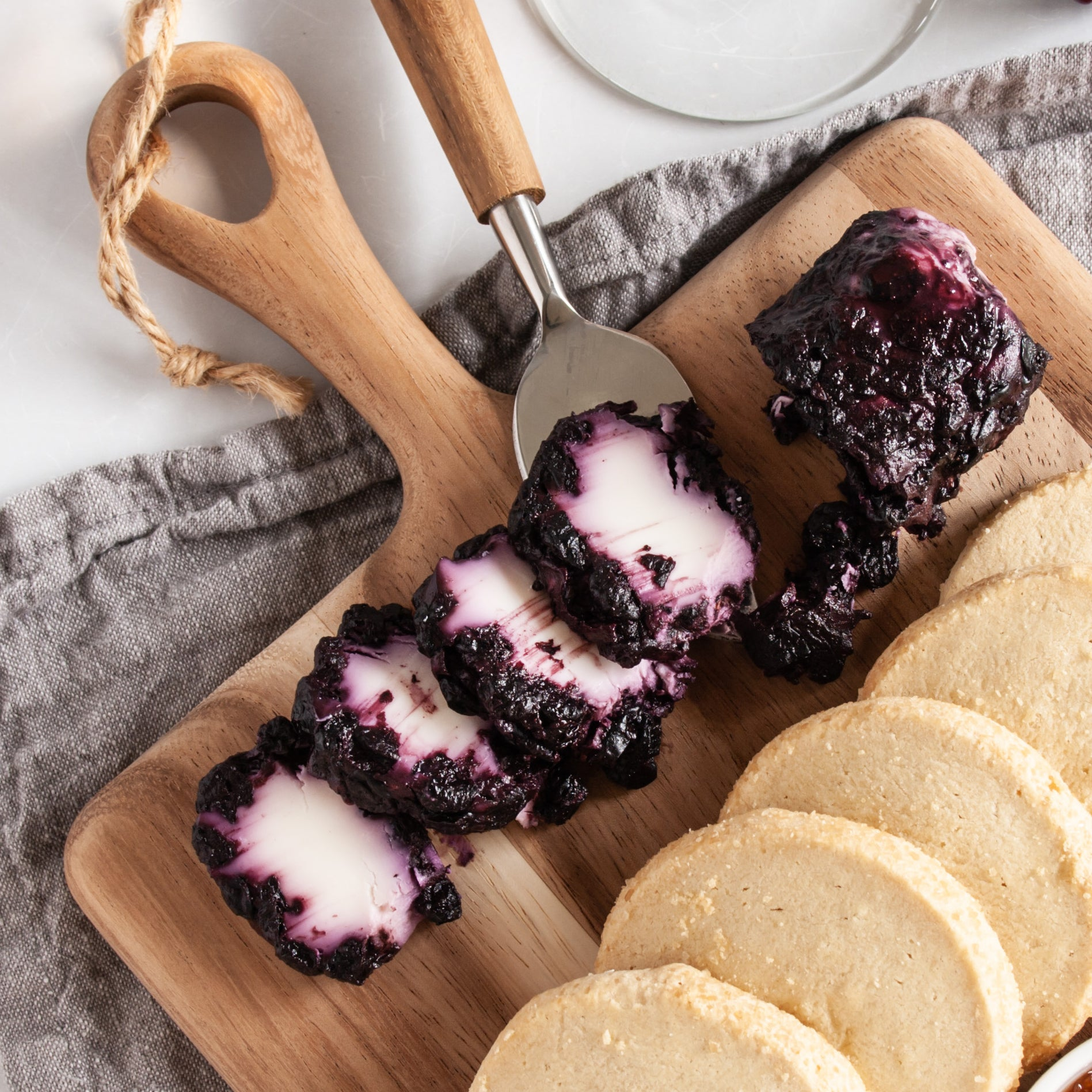 Blueberry Chevre with Cinnamon_Celebrity_Cheese