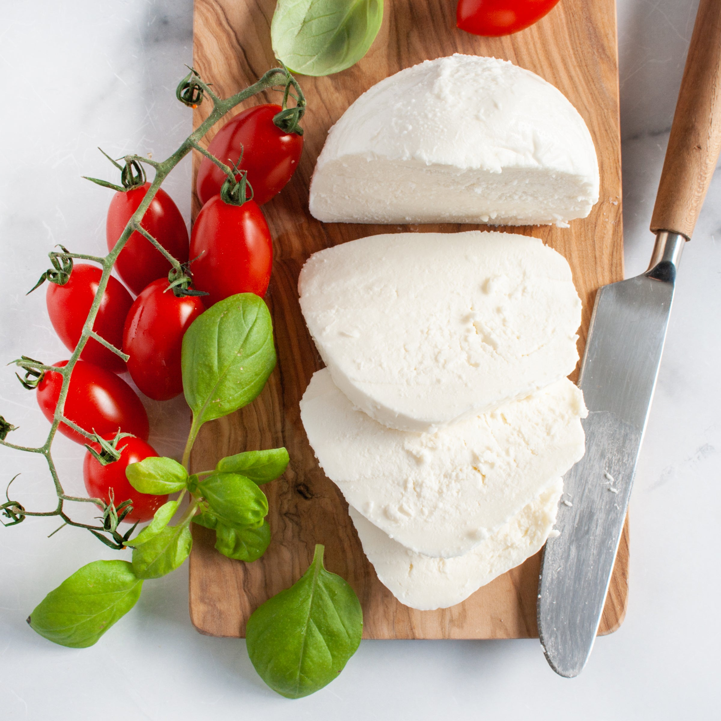 Fresh Mozzarella Cheese Ball_BelGioioso_Cheese