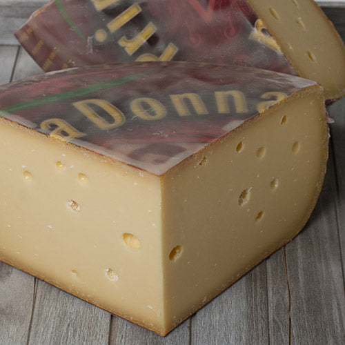 Prima Donna Red-Extra Aged Cheese