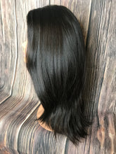 "Load image into Gallery viewer, 24"" Dahlia Lace Front Wig Layered in Medium"