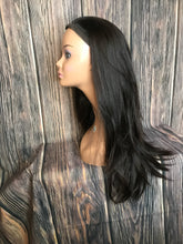 "Load image into Gallery viewer, 26"" Dahlia Sports Wig Layered in Large Black"