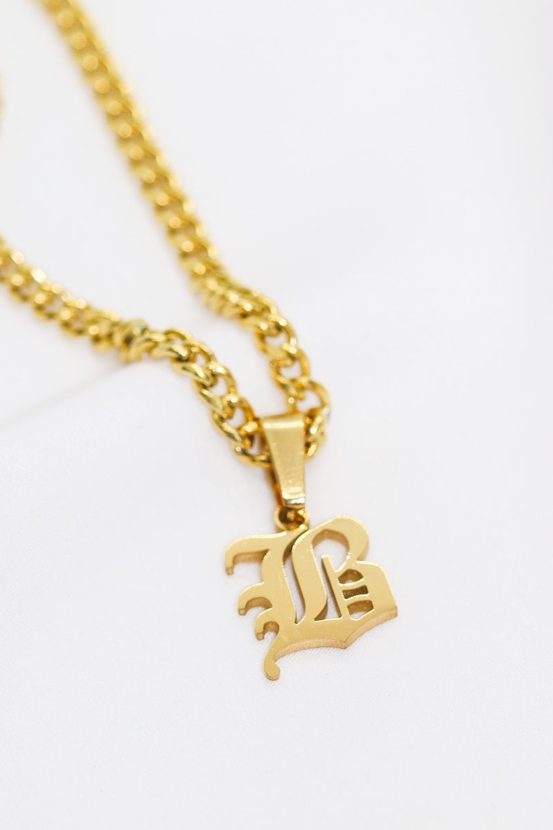 OLD ENGLISH INITIAL CHAIN - Taimana Boutique