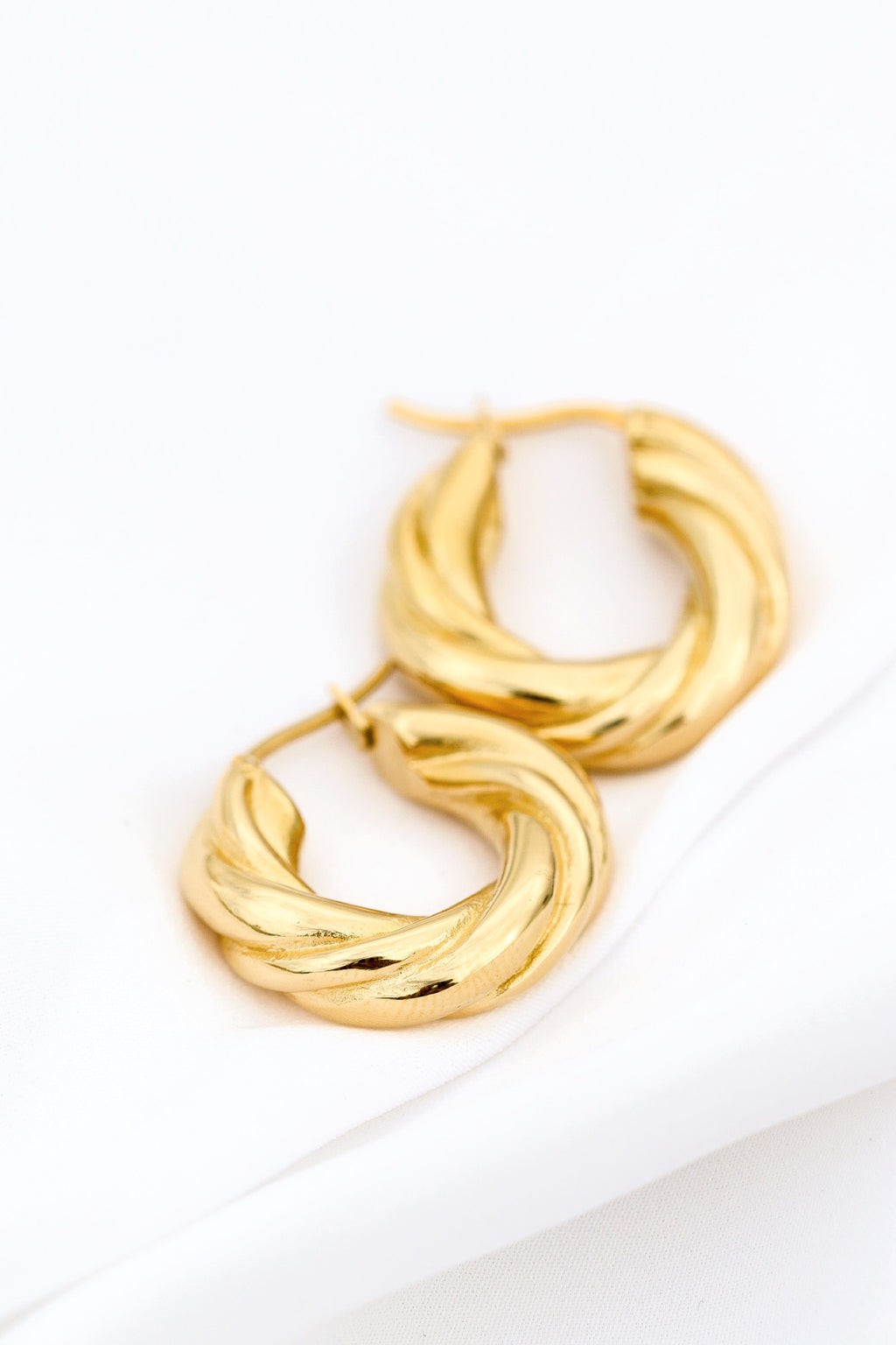 JENNIE CHUNKY HOOPS - Taimana Boutique