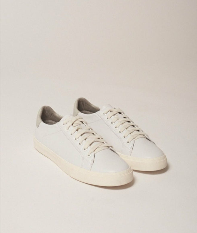 Classic leather white shoes