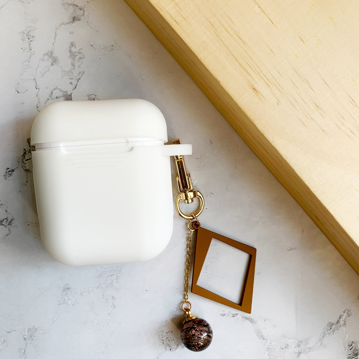 AirPods Case in Milk