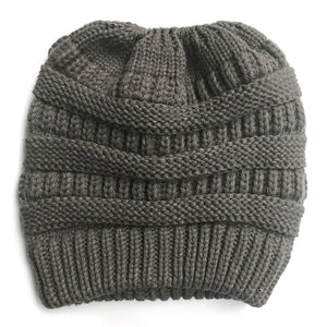 LADIES WINTER PONYTAIL BEANIE.