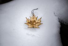 Maple Leaf Winnipeg Skyline – Rescentable Wood Car Air Freshener