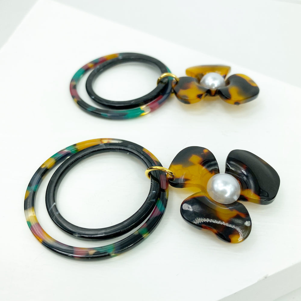 Pearl Water Poppy in Tortoise with Black and Jungle Punch Double Drop Hoop