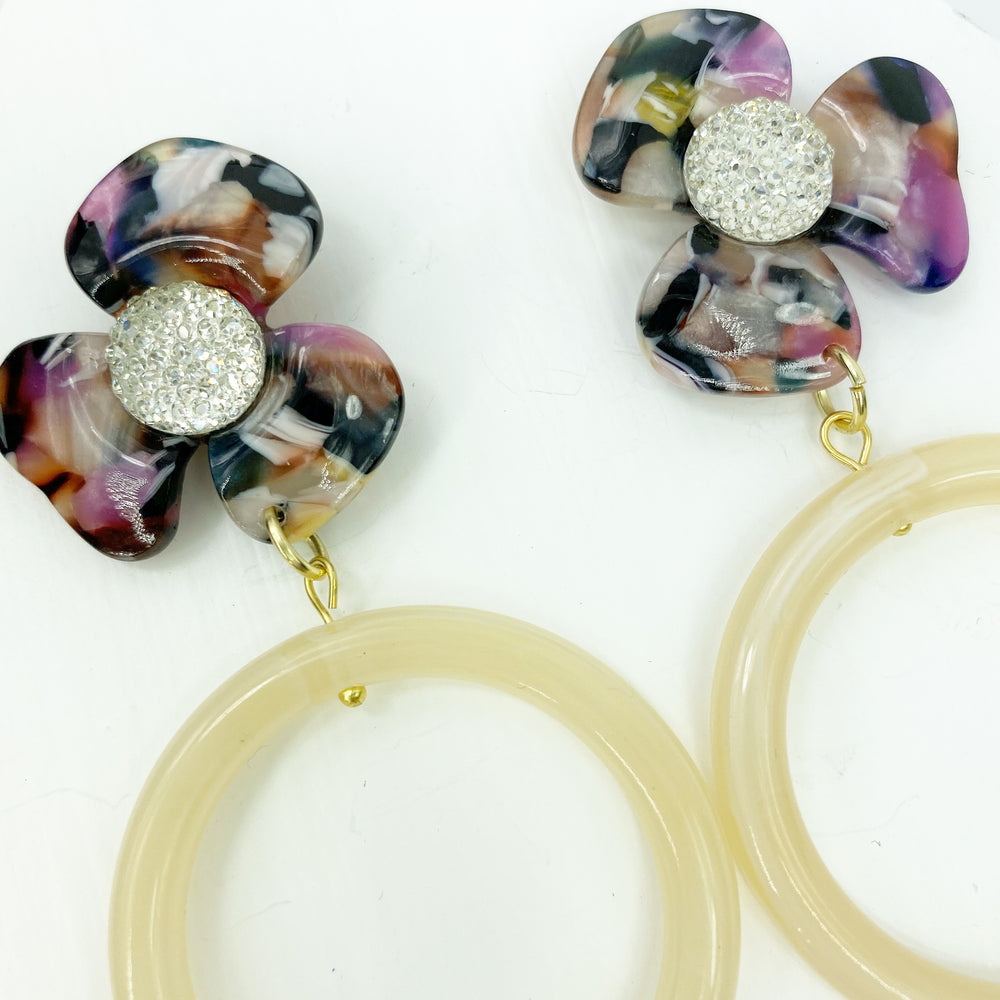 Crystal Water Poppy in Multicolor with Cream Drop Hoop
