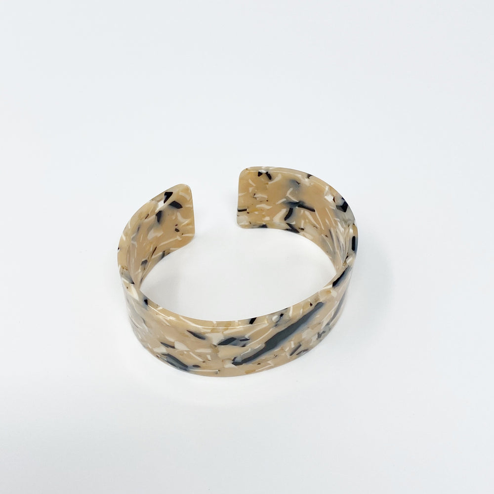 Large Cuff in Beige and Black