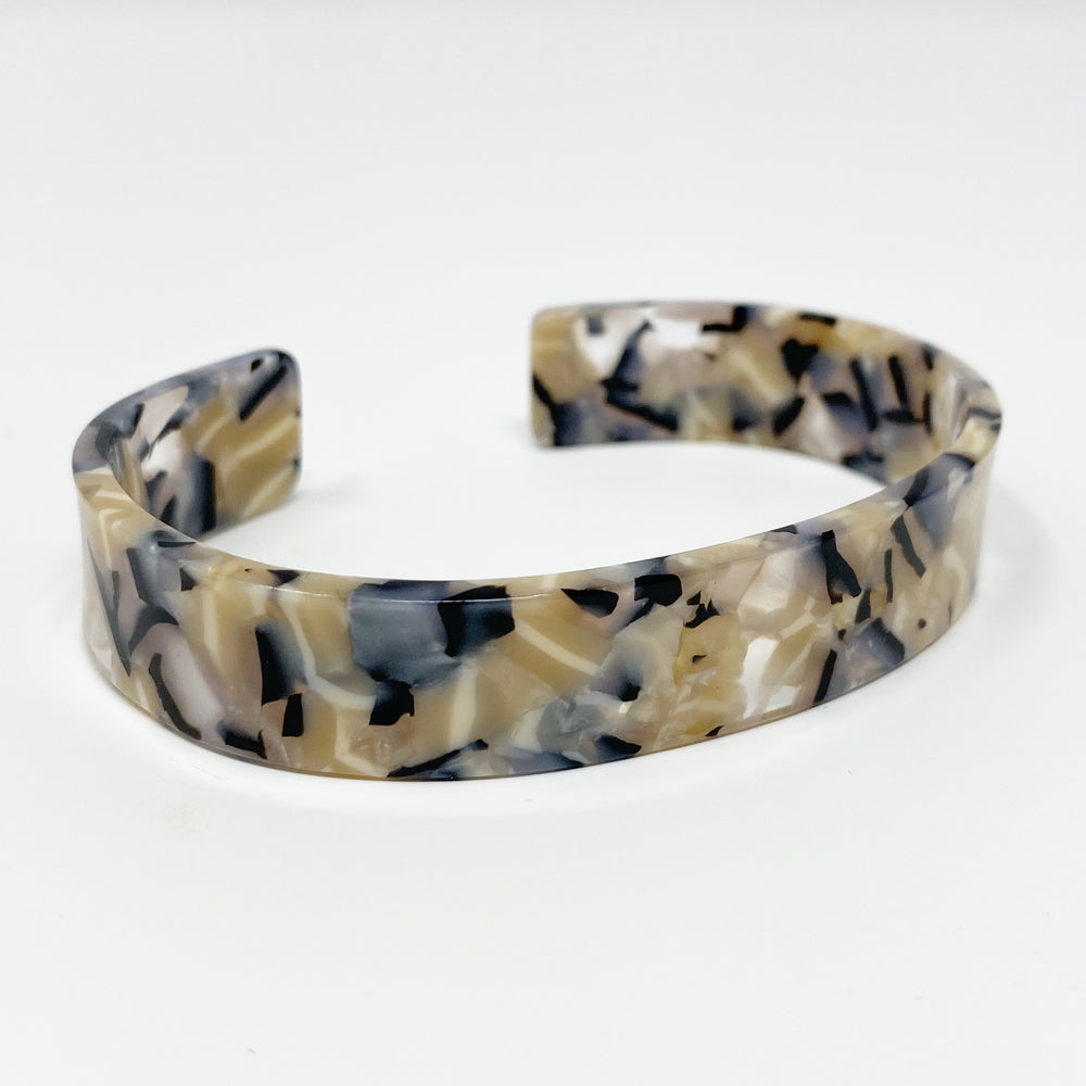 Medium Cuff in Beige and Black