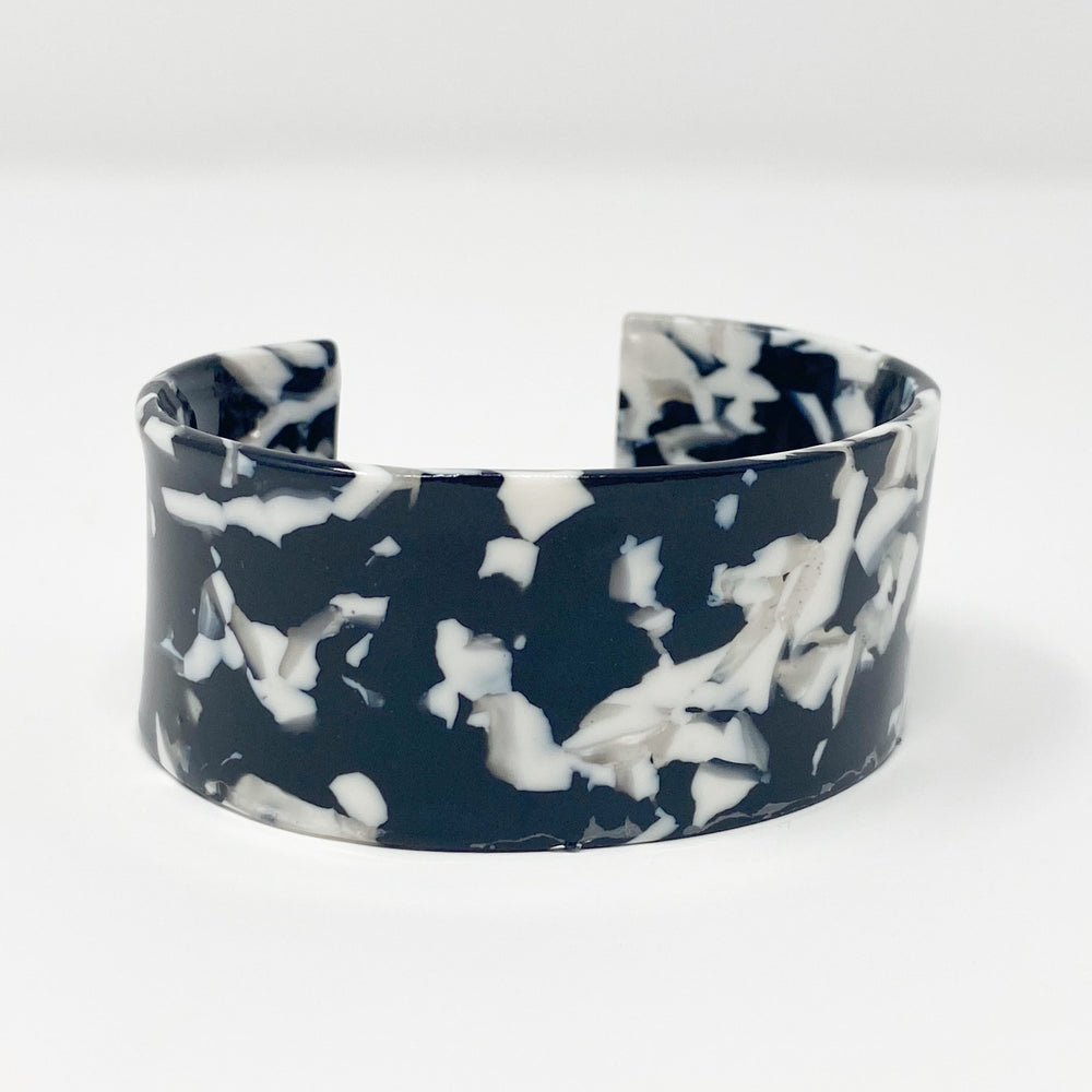 Large Cuff in Black and White